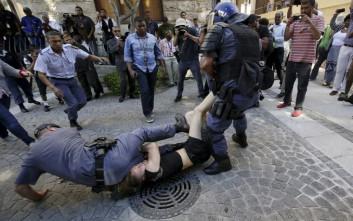 Επεισόδια μεταξύ αστυνομικών και φοιτητών σε διαδήλωση στο Κέιπ Τάουν