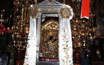 Στον Πειραιά μεταφέρεται η ιερά εικόνα της Παναγίας της Έλωνας