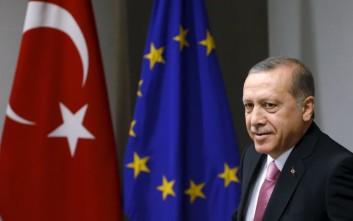 Το Βερολίνο απαντά στον Ερντογάν για το σατιρικό τραγούδι
