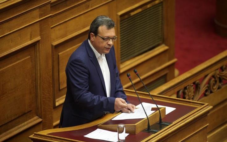 Φάμελλος: Τα μέτρα θα περάσουν από την Βουλή