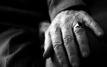 Παρατάθηκε η λειτουργία Κέντρων Φροντίδας Ηλικιωμένων και Κέντρων Ρομά