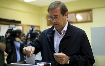 Κυβέρνηση κεντροδεξιού συνασπισμού σχηματίζει ο Κοέλιο στην Πορτογαλία