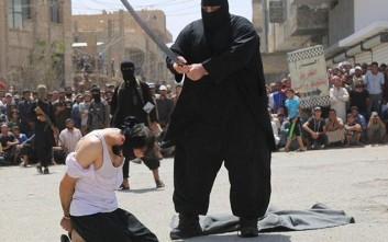 Ο τρομακτικός εκτελεστής του ISIS που είναι γνωστός ως «μπουλντόζα»