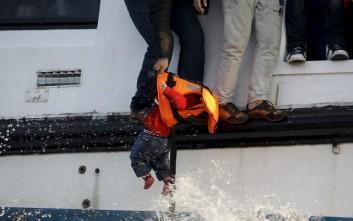 Αγώνας δρόμου για να σωθεί προσφυγόπουλο στη Μυτιλήνη