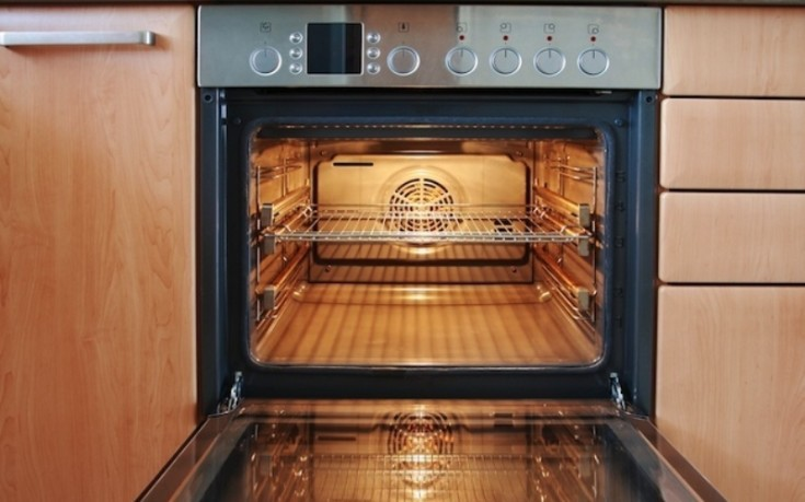 Πώς να καθαρίσετε εσωτερικά τον φούρνο σας
