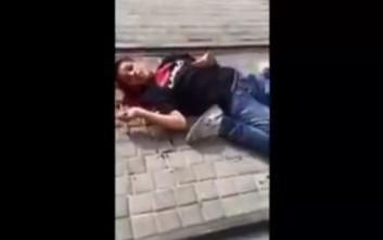 Σοκαριστικό βίντεο ανήλικου Παλαιστίνιου που αργοπεθαίνει από ισραηλινές σφαίρες στην Ιερουσαλήμ