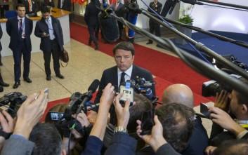 Ρέντσι: Ο πρόεδρος της Ε.Ε. υποβίβασε τις προσπάθειες των Ιταλών για τους πρόσφυγες