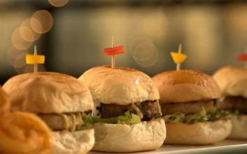 Burger night για χορτοφάγους στο Rosebud στο Κολωνάκι