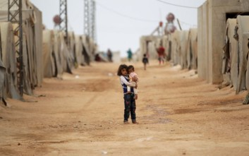 Κομισιόν για το προσφυγικό: Φταίνε τα κράτη, αλλά…