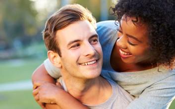 Πώς τα δόντια μαρτυρούν προβλήματα στυτικής δυσλειτουργίας