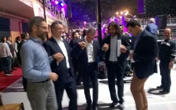 Ο Τζιτζικώστας….χορεύει ποντιακά μαζί με Καρυπίδη και Ιωαννίδη