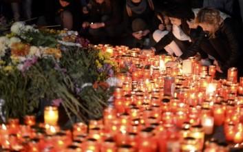 Στους 32 οι νεκροί από τη φωτιά σε νυχτερινό κέντρο στο Βουκουρέστι
