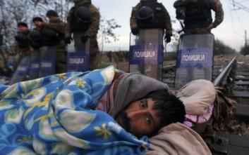 Πάνω από 4.600 άνθρωποι αναγκάζονται να εγκαταλείψουν τη χώρα τους καθημερινά