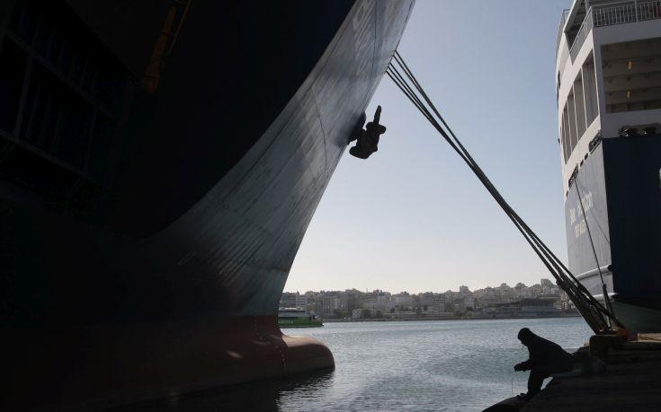 Δεμένα τα πλοία από τις 2-4 Δεκεμβρίου