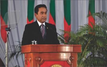 Σε κατάσταση έκτακτης ανάγκης οι Μαλδίβες, σκληρή κόντρα προέδρου-δικαιοσύνης