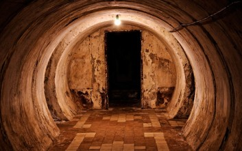 Μυστικά δωμάτια, περάσματα και καταφύγια στα πιο απρόσμενα μέρη του κόσμου