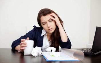 Εργαζόμενοι πάνε άρρωστοι στη δουλειά λόγω... φόβου