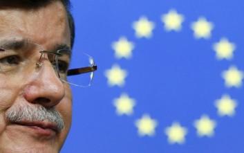 «Βόμβα» από Νταβούτογλου στη συμφωνία ΕΕ -Τουρκίας