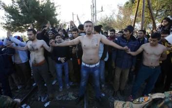 Οι Ευρωπαίοι σφραγίζουν τα ελληνικά σύνορα με την απειλή έξωσης από τη Σένγκεν