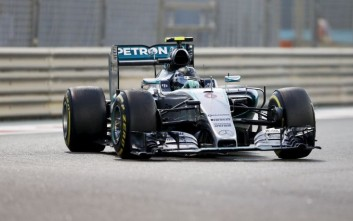 Φινάλε στη Formula 1 με νίκη του Ρόσμπεργκ