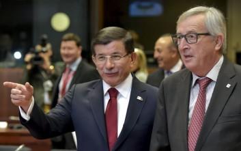Οι Τούρκοι απειλούν να τινάξουν στον αέρα τη συμφωνία για τους πρόσφυγες