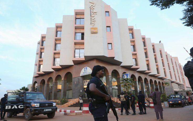 Τέσσερις πολίτες και ένας στρατιωτικός νεκροί από την επίθεση στο Μαλί
