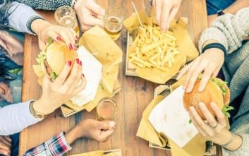 Street food στο κέντρο για απόλαυση στο... χέρι