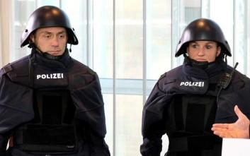 Γέλιο στα social media για τις νέες αστυνομικές στολές της Βαυαρίας
