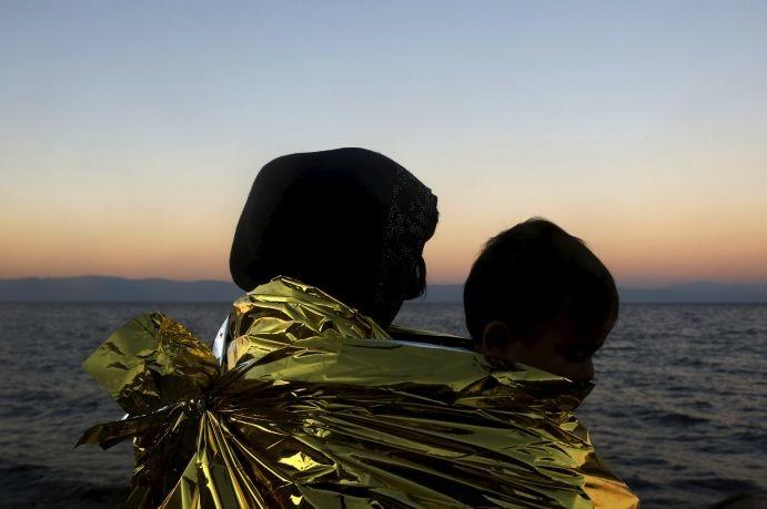 Εκατόν τρεις πρόσφυγες και μετανάστες έφτασαν τις τελευταίες ώρες στα νησιά
