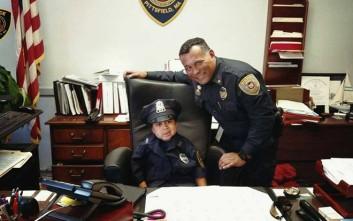 Ένας 5χρονος με καρκίνο έγινε αστυνομικός για μία μέρα