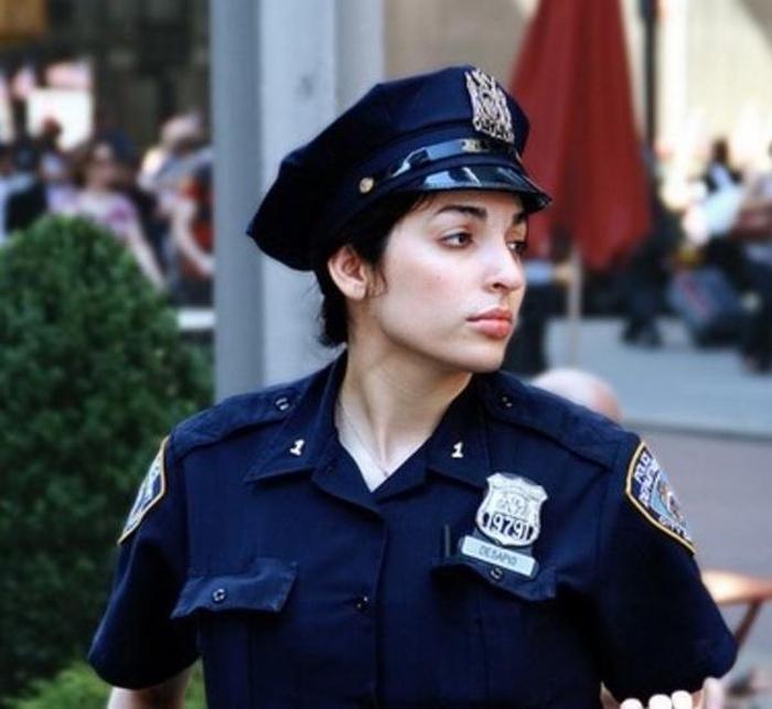 police_girls_10