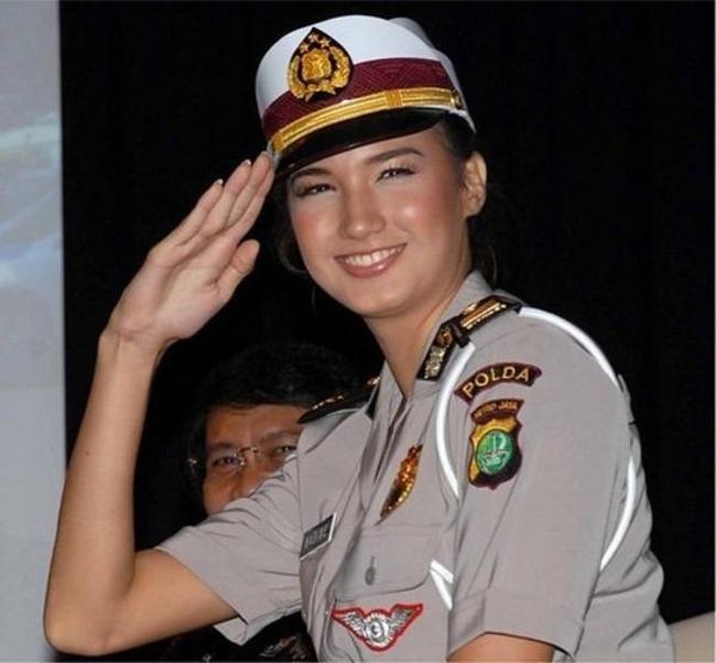 police_girls_12