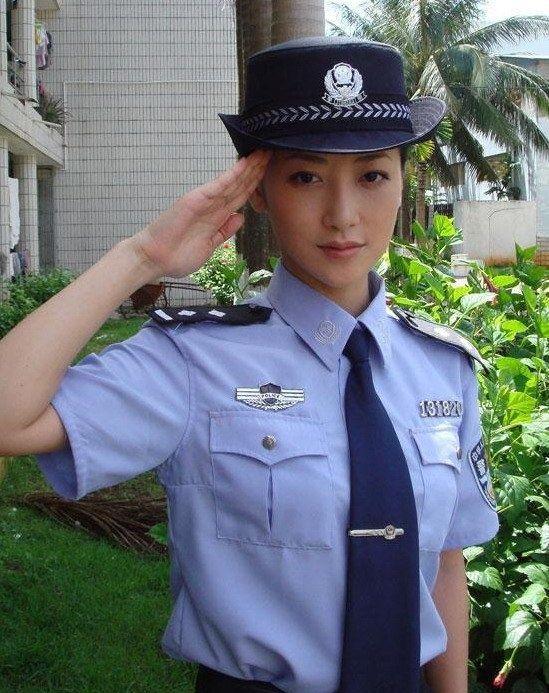police_girls_15