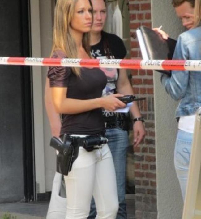 police_girls_17