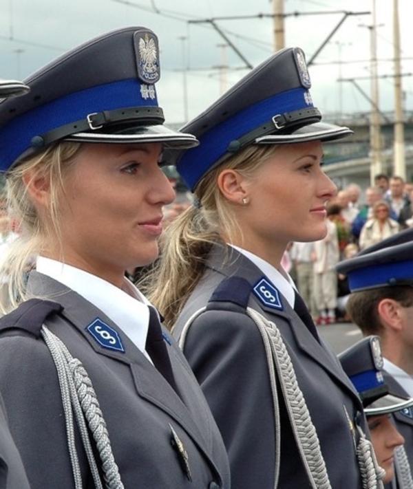 police_girls_20