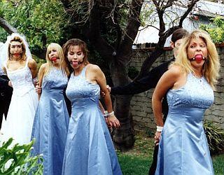 ridiculous-wedding-photos16