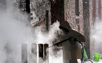 Βγάζουν τις τσίχλες από τον «ιστορικό» τοίχο του Σιάτλ