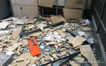 Εικόνες καταστροφής σε ΣΕΒ και κυπριακή πρεσβεία