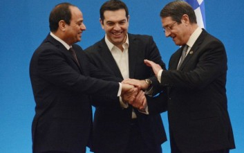 Οικονομία και ενέργεια στο επίκεντρο της Τριμερούς Συνόδου στην Κύπρο