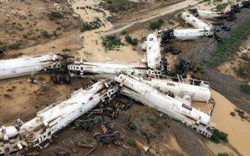 Φόβοι για διαρροή 31.500 λίτρων χημικών από τον εκτροχιασμό τρένου στην Αυστραλία