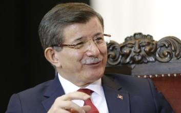 Νταβούτογλου: Η συμφωνία Ε.Ε.-Τουρκίας λειτουργεί