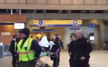 «Βουτιά» αεροσκάφους εν μέσω αναταράξεων έστειλε τους επιβάτες στο νοσοκομείο