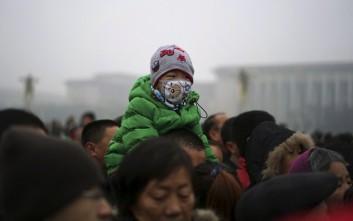 Σε πολιορκία νέφους το Πεκίνο
