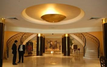 Ινδός επιχειρηματίας πουλά πεντάστερο ξενοδοχείο στο Νέο Δελχί