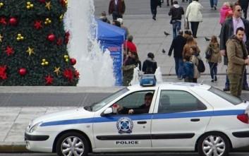 Αστυνομικοί προσέφεραν δώρα και τρόφιμα σε εθελοντικές ομάδες