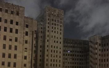 «Φαντάσματα» στόλισαν δέντρο σε εγκαταλελειμμένο νοσοκομείο