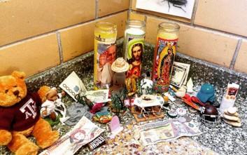 Ο απίστευτος βωμός για το θάνατο ενός εντόμου σε πανεπιστήμιο του Τέξας