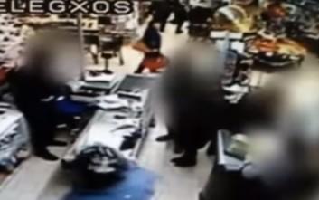 Βίντεο-ντοκουμέντο από ληστεία με καλάσνικοφ σε σούπερ μάρκετ