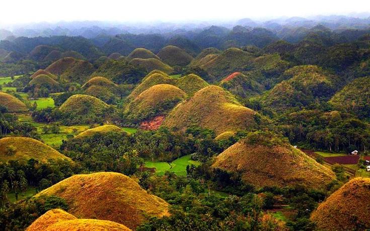 Οι «Λόφοι της Σοκολάτας» στις Φιλιππίνες