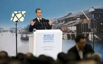 Μεντβέντεφ: Εγκληματίες και τρομοκράτες ελέγχουν τις τεχνολογίες